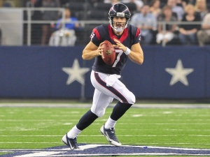 Case-Keenum-roll-Texans_002738